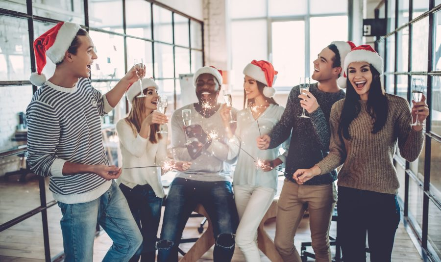 7 ways to recognize your employees before the holidays